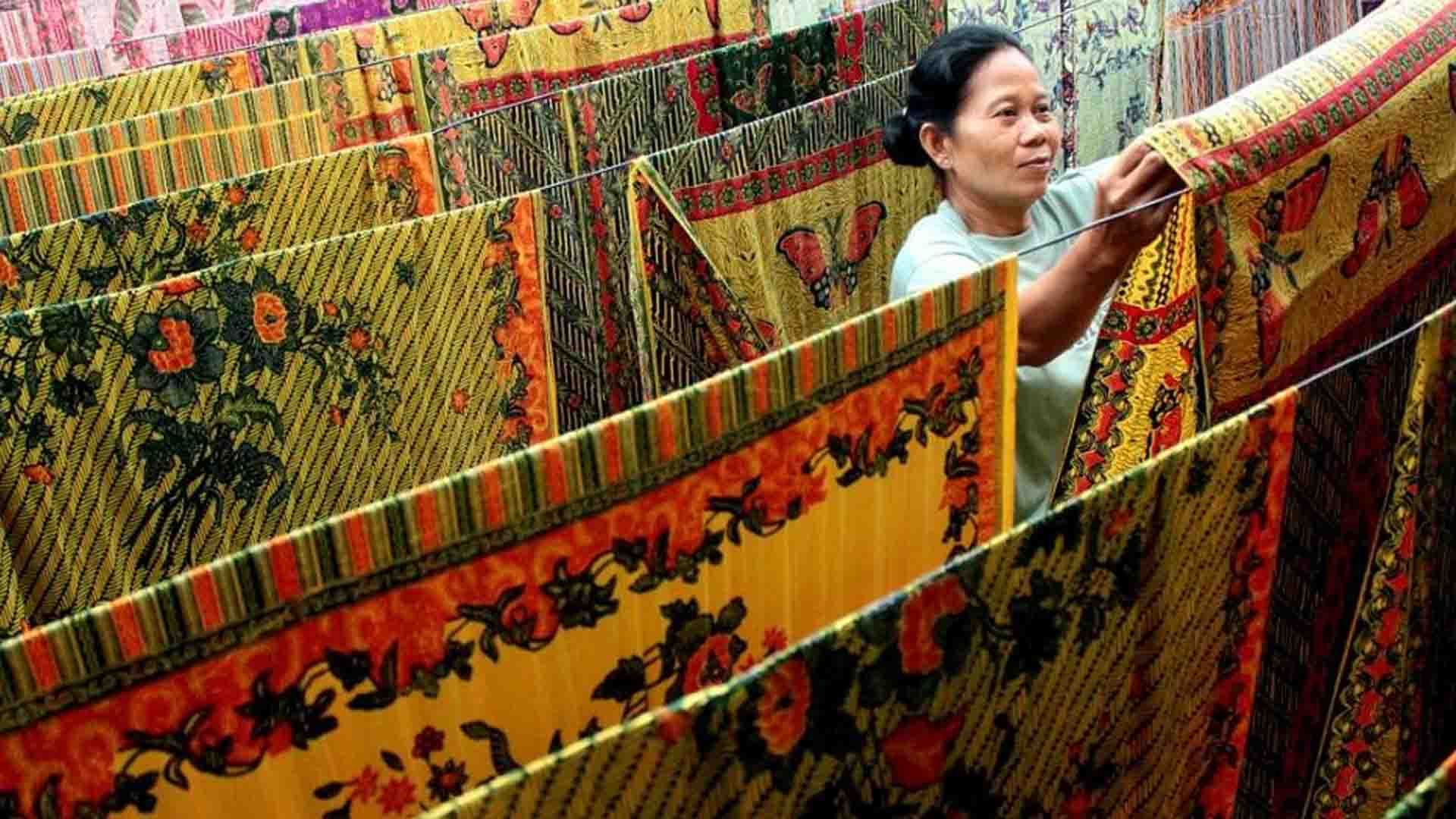proses penjemuran batik